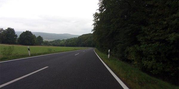 8:24 | … und 20 Minuten später die sagenhafte Abfahrt hinter Kilianshof nach Bischofsheim hinab.