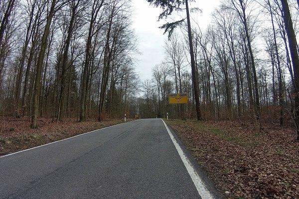 In Rosenberg verbummeln wir den Anschluss und fahren statt im Tal weiter nach Osterburken den Berg hinauf.