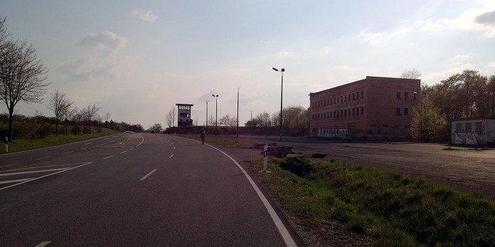 Der ehemalige innerdeutsche Grenzübergang bei Henneberg. Letzter Anstieg, ab hier geht es entspannt bis Münnerstadt, unserer ersten Station.