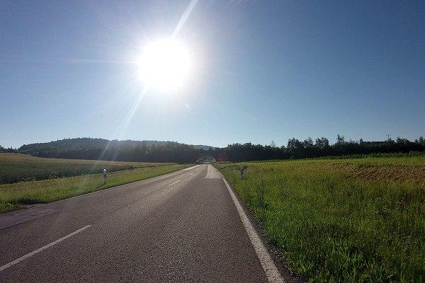 7:59 Uhr – Kleine Bilderserie unter der A7-Brücke hindurch, von Hartershofen nach Nordenberg.